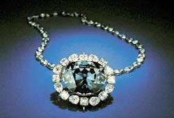 """Королевский синий алмаз """"Надежда"""""""